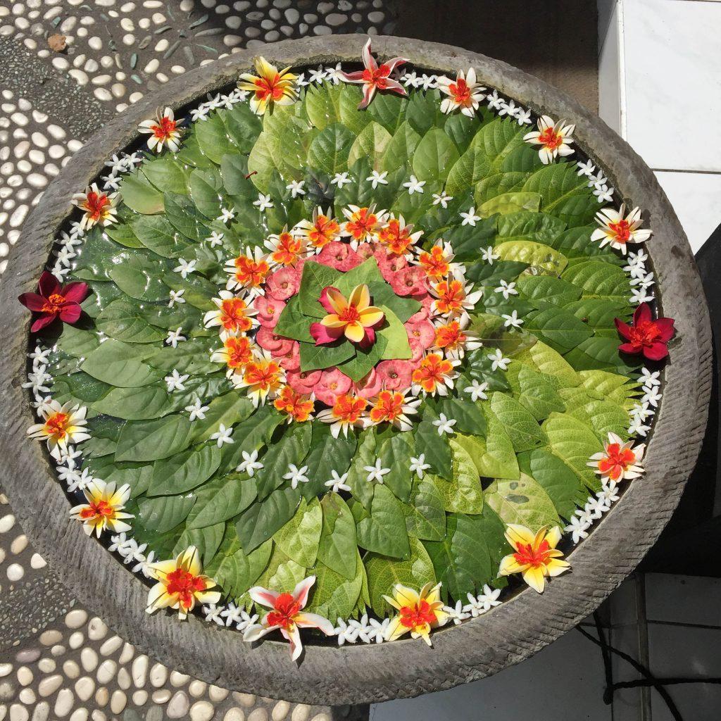 flower mandala Zealandia Designs bee jewelry