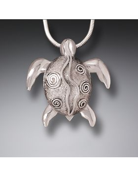 Handmade Silver Sea Turtle Pendant Necklace - Silver Sea Turtle