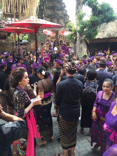 Bali funeral procession