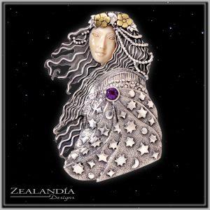 Wise Woman goddess pendant